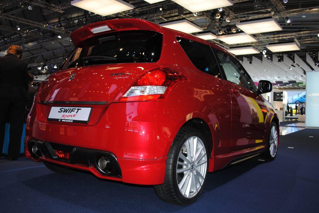 Suzuki Swift sport in red