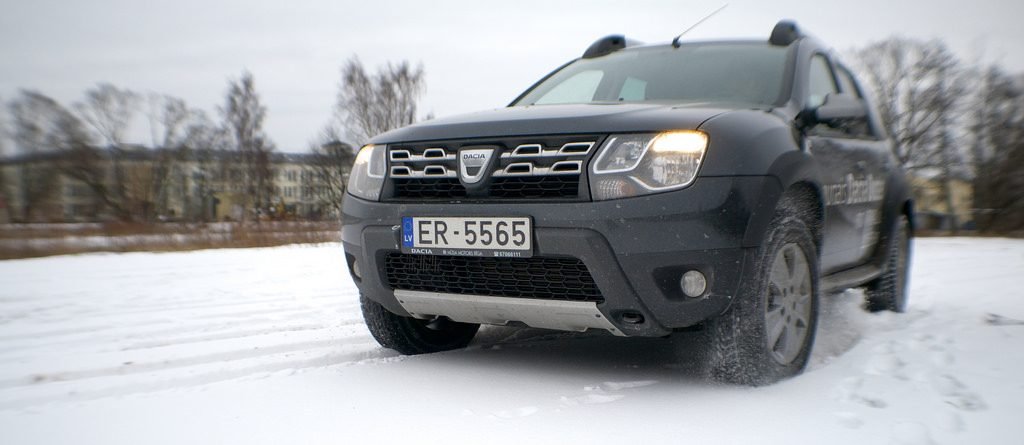 Dacia duster in the snow